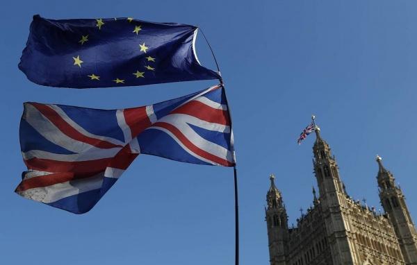 Политика: Великобритания: палата общин окончательно одобрила законопроект об отсрочке Brexit