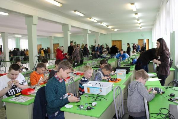 Интересное: Фестиваль по робототехнике пройдет в Барнауле 18 мая.