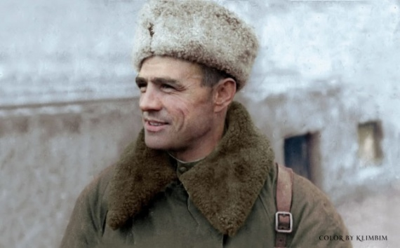 История: Общество: Восстановленные фото советских солдат ВОВ